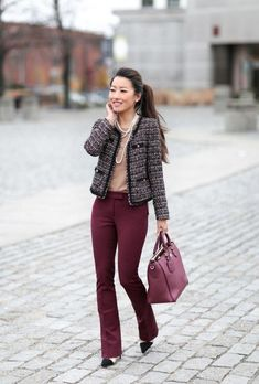 Spread the love burgundy pants tweed jacket work outfit extra petite Trajes Business Casual, Business Casual Outfits, Office Outfits, Casual Office, Office Wear, Office Attire, Office Chic, Business Attire, Work Attire