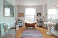 Leinster Gardens, W2 | A bathtub fit for two...