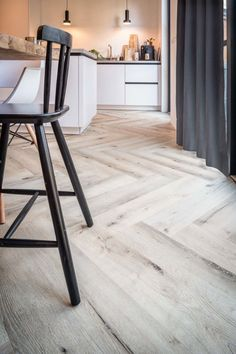 Pvc in visgraat - Regge Tegels & Vloeren Pvc Flooring, Living Room Flooring, Light Oak, Bar Stools, New Homes, Interior, House, Inspiration, Furniture