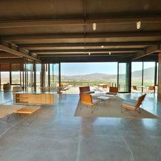 http://www.hotelendemico.com/rv/lobby.html