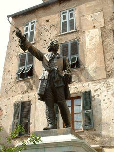 Corte / La statue du Général Gaffori -