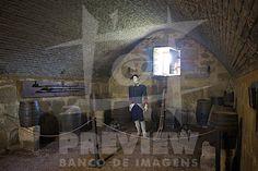 A Fortaleza de Santa Teresa localiza-se na atual cidade de Castillos, Departamento de Rocha, no Uruguai. Considerada a mais expressiva do país, esta fortaleza inscreve-se no Parque Nacional de Santa Teresa, criado para protegê-la. Integrava a antiga linha raiana denominada como Linha de Castillos Grande (Tratado de Madrid, 1750) e tinha a função de guarnecer o desfiladeiro de Angostura, vizinho ao monte de Castillos Grande, cerca de vinte quilômetros ao sul da Lagoa Mirim.