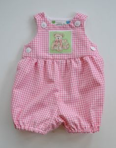 Items similar to Baby romper in pink or blue gingham, teddy bear applique new baby gift, snap closure, summer romper, sizes newborn to 12 months. on Etsy - Babykleidung Newborn Girl Outfits, Baby Girl Dresses, Baby Outfits, Baby Girl Newborn, Baby Dress, Kids Outfits, Baby Hoodie, Pink Gingham, Summer Romper