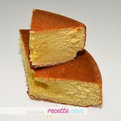Gâteau Nature au Micro-Ondes. Gâteau tout simple et très rapide à faire. Le gâteau cuit et lève au micro-ondes sans aucun problème.