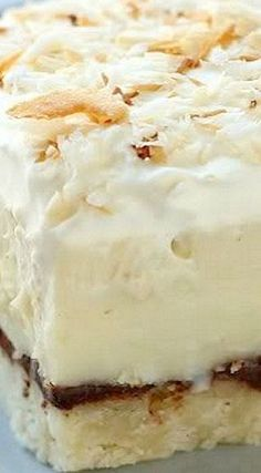 & Coconut Cream Pie Bars Chocolate & Coconut Cream Pie Bars- These look and sound amazing but, a bit of work.Chocolate & Coconut Cream Pie Bars- These look and sound amazing but, a bit of work. Coconut Desserts, Coconut Recipes, Cookie Desserts, Just Desserts, Cookie Recipes, Delicious Desserts, Dessert Recipes, Coconut Bars, Coconut Cream Pie Bars Recipe