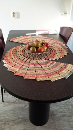 Diy Discover 20 incredible DIY crochet tablecloth ideas to refresh the whole living atmosphere Crochet Dollies Crochet Diy Crochet Home Thread Crochet Filet Crochet Crochet Motif Crochet Crafts Crochet Patterns Blanket Crochet Crochet Diy, Filet Crochet, Diy Crochet Tablecloth, Crochet Dollies, Crochet Gratis, Crochet Table Runner, Crochet Home, Thread Crochet, Crochet Motif