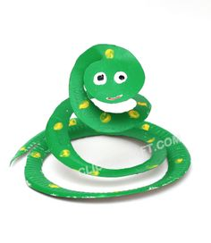 Paper Plate Snake Craft - prepaint & have them cut & add decorations