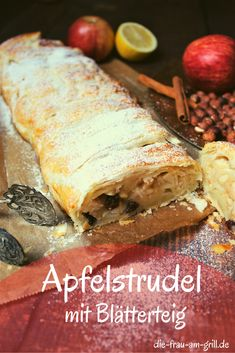 Der Apfelstrudel mit Blätterteig ist ein klassisches Rezept für die Apfel-Saison - also typisch für Sommer, Herbst und Winter. Er passt als Hauptspeise, Dessert oder zum Kaffeeklatsch. Und auf einer Party macht er sich auf dem Buffet auch nicht schlecht! #apfel #äpfel #strudel #apfelstrudel #blätterteig #rezept #bbq #grillen #kochen #rezepte #backen Fabulous Foods, Macarons, Grilling, Silvester Party, Ethnic Recipes, Buffet, Desserts, Pie, Finger Food