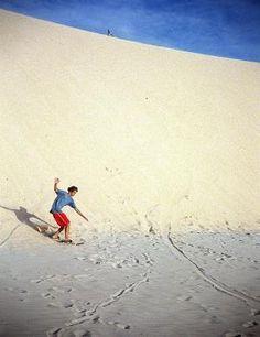 Sandboard na Duna do Pôr-do-sol, Jericoacoara, Ceará, Brasil