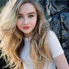 "Fc:Sabrina Carpenter))Says in slight Italian accent ""Hi I'm Lillia Johns and I'm 17 years old! I'm a 5 from Dakota ! I enjoy drawing and playing violin, but I'm very shy so please come and be my friend!"""
