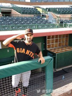 A good morning salute from The Crazy Horse, Angel Pagan