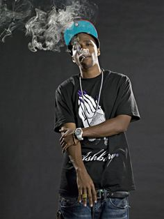 This is Curren$y. If you don't know him Google him. If I could be anybody in the world it would be this man. He has the dopest gear, he is a lyrical genius, and one of my favorite rappers ever. Shout out to my dude Austin for introducing me my sophomore year of high school. JETS Fool. New Hip Hop Beats Uploaded EVERY SINGLE DAY http://www.kidDyno.com