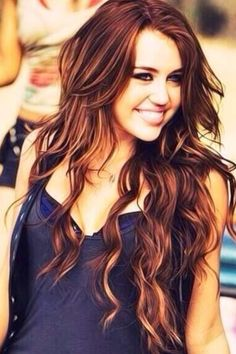 remember when Miley had amazing hair..? You know..before the drugs and temper tantrum she threw on her head..?