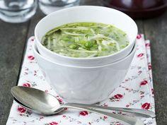 Nudelsuppe mit Erbsen ist ein Rezept mit frischen Zutaten aus der Kategorie Gemüsesuppe. Probieren Sie dieses und weitere Rezepte von EAT SMARTER!