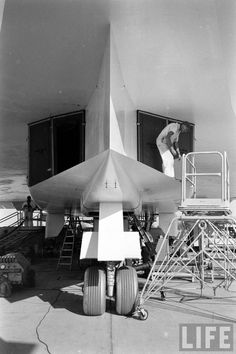 The nose landing gear and the air intake to the six engines of the North American XB-70 Valkyrie.