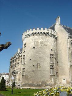 La Tour Marguerite - Hôtel de Ville Angoulême