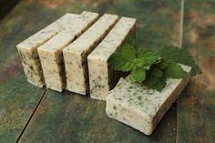 Prírodné ručne robené mydlo Medovka