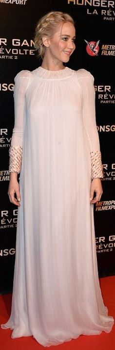 Jennifer Lawrence: Dress – Dior Haute Couture  Earrings – Shay  Headband (necklace) – EF Collection  Shoes – Sophia Webster