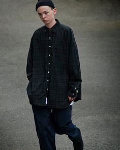 Fashion Images, Love Fashion, Mens Fashion, Fashion Styles, Stylish Men, Men Casual, Skateboard Fashion, Fashion Silhouette, Japanese Men