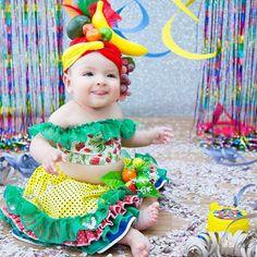 Halloween Sewing, Diy Halloween Costumes For Kids, Toddler Costumes, Cute Costumes, Baby Costumes, Bubble Birthday, Baby Birthday, Carmen Miranda Kostüm, Chiquita Banana Costume