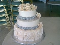 Wedding cake White cake Roses cake