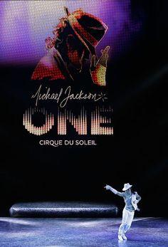 Michael Jackson ONE, puesta en escena, Cirque du Soleil, Las Vegas. http://blog.weplann.com/cirque-du-soleil-one-michael-jackson/