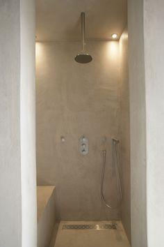 Tadelakt shower-space for a bench seat in small basement bathroom? Bathroom Taps, Bathroom Inspo, Basement Bathroom, Bathroom Interior, Bathroom Inspiration, Small Bathroom, Toilet Room, Bad Inspiration, Modern Shower