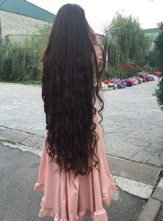Shaggy Blonde Waves - 40 Picture-Perfect Hairstyles for Long Thin Hair - The Trending Hairstyle Long Thin Hair, Really Long Hair, Long Curly Hair, Curly Hair Styles, Natural Hair Styles, Beautiful Long Hair, Gorgeous Hair, Stunningly Beautiful, Long Face Hairstyles