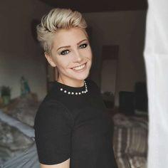 Anna Maria Short Hairstyles - 1