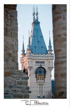 Magia unei dimineti de Martie pe Palatul Culturii din Iasi Romania, Notre Dame, Big Ben, Building, Buildings, Construction