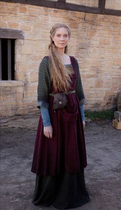 Cynthia Nixon as Petranilla in World Without End- this is from a movie but I love the look
