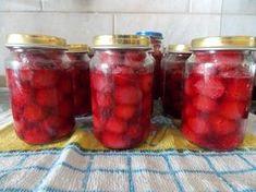 meggy/cseresznye kompót cukor nélkül Hungarian Recipes, Vegetable Drinks, Cukor, Pickles, Salsa, Raspberry, Lime, Jar, Fruit