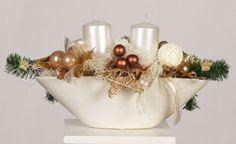 Xmas are GOLD! Elegant winter centerpiece with candles #goldxmas #xmas2014 #christmascenterpiece #candles #dekoracje #bozenarodzenie #swiece #whiteandgold