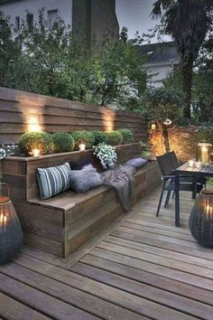 Modern wood deck Modern Outdoor Dining Sets, Modern Deck, Contemporary Patio, Outdoor Furniture Sets, Outdoor Decor, Garden Modern, Furniture Ideas, Lawn Furniture, Furniture Update