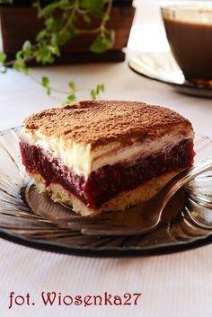 Kruche ciasto z malinami i mleczną masą