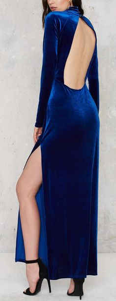 Velvet Fashion Home Trends home color trends 2018 Pretty Dresses, Sexy Dresses, Play Dress, Dress Up, Velvet Fashion, Beautiful Gowns, Dress To Impress, Evening Gowns, Womens Fashion