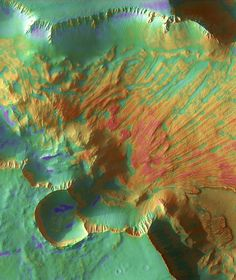 What triggered a Martian landslide? Landslides are common features in canyons on both Earth and Mars, and they happen the same way. #Marte #Mars