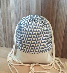 Turnbeutel - Turnbeutel, Rucksack, Kunstleder, Petrol/perlmutt - ein Designerstück von schnulli9999 bei DaWanda