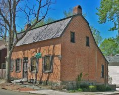 The John Teller House is a Dutch Colonial home in Schenectady, NY - Photo © Jackie Craven