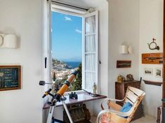 Το πανέμορφο αρχοντικό της Ύδρας πωλείται έναντι 5,5 εκατομμυρίων προκαλώντας το ενδιαφέρον των ξένων αγοραστών.