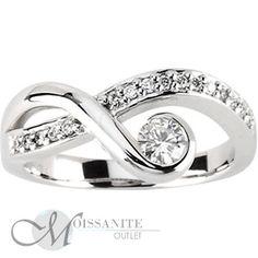 0.31 ctw Round Brilliant Diamond & Moissanite Unique Asymmetrical Delicate Fashion Band Ring, White Gold - Moissanite Outlet
