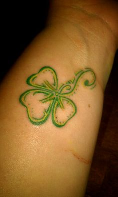 1000 images about tattoos on pinterest shamrock tattoos for Shamrock foot tattoo