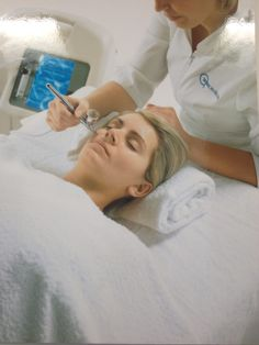 Intraceuticals Oxygen Facial The best treatment EVER! If you never experienced one, make your appointment. Your skin will be radiant and glowing. facial Do Oxygen Facials Really Work? Anti Aging Treatments, Skin Care Treatments, Facial Treatment, Mask For Oily Skin, Dry Skin On Face, Oxygen Facial, Skin Care Specialist, Homemade Acne Treatment