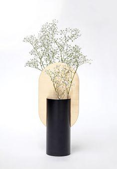 Top 18 stunning new Print - Ceramic Vase Hydrangea Vase Turquoise Vase Vase Design Candle Vase Modern VaseDIY idea vases upcycling with green spray paint - UPCYCLING IDEASDIY idea vases upcycling with green spray Hydrangea Vase, Flower Vases, Flower Art, Flower Arrangements, Design Vase, Floral Design, Home Decor Accessories, Decorative Accessories, Interior Styling