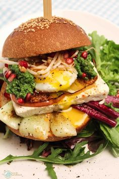http://www.amor-und-kartoffelsack.de/2015/10/vegetarischer-greek-burger-mit-feta.html
