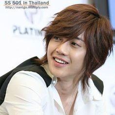 Kim Hyun Joong hermosa sonrisa que tiene