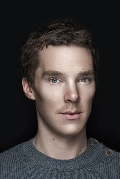British Celebrity Portraits - Benedict Cumberbatch. Love those eyes, lips, cheek bones! Sooo handsome!