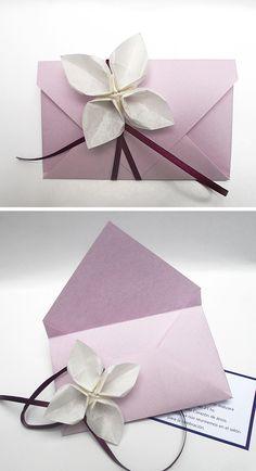 origami - sobre con detalle de flor