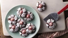 Chocolate Mint Crinkles - A perfect addition to your holiday cookie exchange spread, our scratch-made crinkles are crowned with mint chocolate candies. Mint Chocolate Candy, Chocolate Bonbon, Chocolate Crinkle Cookies, Chocolate Crinkles, Peppermint Chocolate, White Chocolate, Best Christmas Cookies, Holiday Cookies, Christmas Desserts