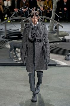 Mode à Paris FW 2014/15 – Thom Browne See all the catwalk on: http://www.bookmoda.com/sfilate/mode-a-paris-fw-201415-thom-browne/ #paris #fall #winter #catwalk #menfashion #man #fashion #style #look #collection #modeaparis #thombrowne